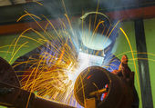 Welder at workshop — Stock Photo