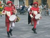 Two medieval drummers — Stock Photo
