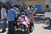 Trading on a city street in Somalia — Stock Photo