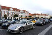 """Automobili """"porsche"""" per le strade di vilnius. — Foto Stock"""