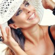 Beautiful Brunette Girl with Hat. Fashion Model Girl Portrait. — Foto Stock