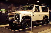 Range Rover Defender car on display — Stok fotoğraf