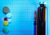 Medical bottle and syringe — Stock Photo