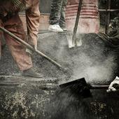 Asphalt worker — Stock Photo