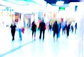 Shoppiing tłum na rynku — Zdjęcie stockowe