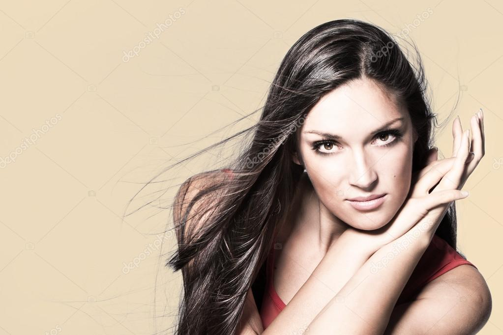Long hair beauty woman portrait studio shot horizontal — Stock Photo #12644319