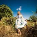 Fashion at countryside — Stock Photo