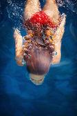Woman dive — Stock Photo