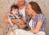 Mutlu genç ailesi — Stok fotoğraf