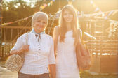 Adult mother and daughter — Stockfoto