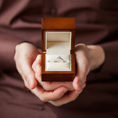 Man giving an engagement  box with ring — Foto Stock
