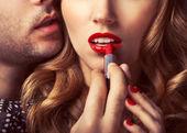 Beau portrait de lèvres de jeune homme — Photo