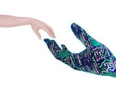 Ręce robota człowieka i — Zdjęcie stockowe