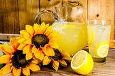 летний лимонад — Стоковое фото