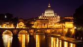 Vista do panorama noite vaticano em roma, itália — Foto Stock