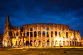 Italy Illuminated Colosseum at night — Stock Photo