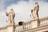 Architectural detail of San Pietro Square, Rome, Italy — Stock Photo