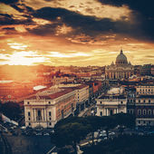 Vintage View of the Basilica church Saint Peter, at dusk - Rome — Stock Photo