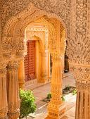 Templo perto de jaisalmer, índia — Foto Stock