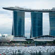 SINGAPORE-DEC 29: The 6.3 biliion dollar (US) Marina Bay Sands Hotel — Stock Photo