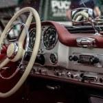 Vintage car — Stock Photo #31152989