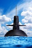 Подводная лодка в открытом море — Стоковое фото