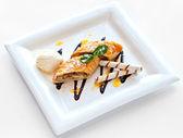 Dessert with sweet pie, ice cream — Stockfoto