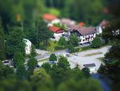 Vista Birdseye uma estrada transversal com edifícios — Fotografia Stock