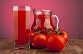 Tomates y jugo — Foto de Stock
