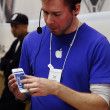 IPhone 5 launch at the Apple Store on Regent Street in London, UK — Stock Photo #13163416