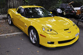 Yellow Chevrolet Corvette — Stock Photo