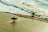 Two surfers — Stock Photo