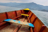 Barque on Phewa Lake in Pokhara — Stock Photo
