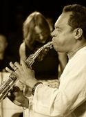 ODESSA, UKRAINE - JUNE 5: saxophonist Hernan Jay Rodriguez (USA, — Foto de Stock