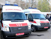 ODESSA, UKRAINE - APRIL 2: Doctors taking new ambulance equipped — Stock Photo