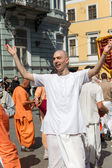 ODESSA, UKRAINE - APRIL 1: Devotees from Hare Krishna dancing wi — Stock Photo