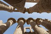 Colonnes au temple de karnak à louxor — Photo