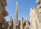 Ancient ruins at Karnak temple — Stock Photo