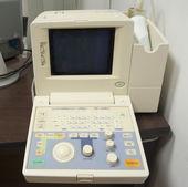 électrocardiographe dans un cabinet de médecins — Photo