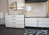Dresser unit in bedroom of show home — Stock Photo