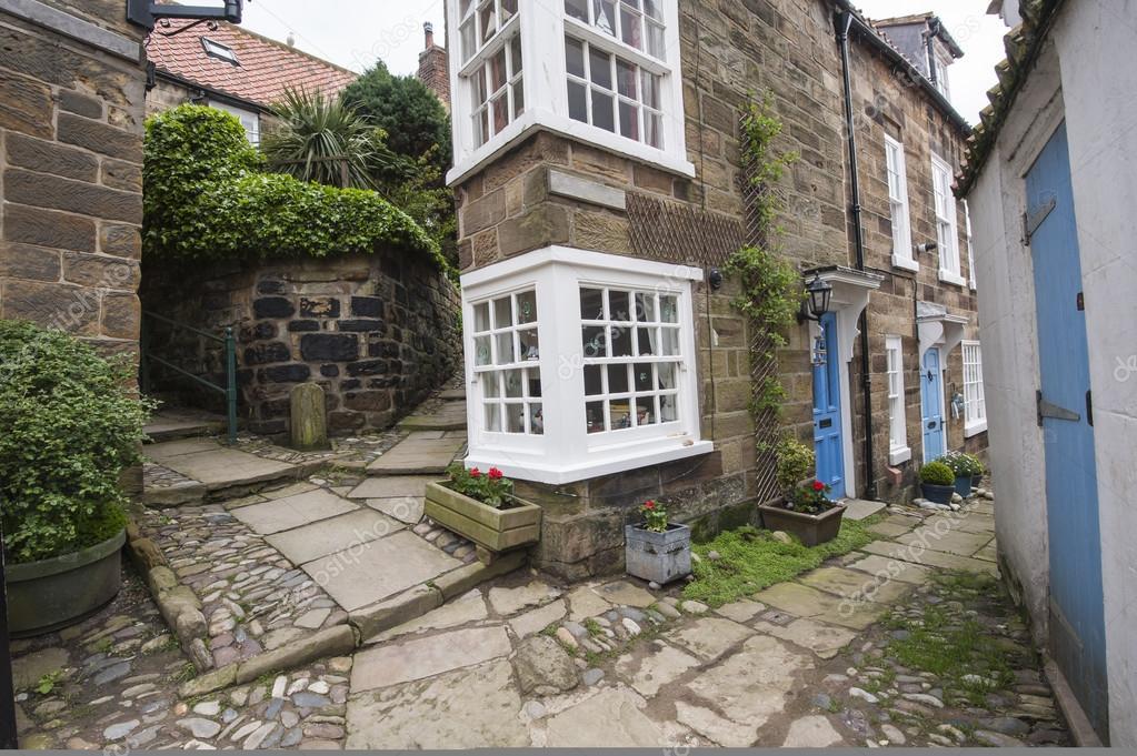 Vecchio casolare di campagna inglese nel villaggio foto for Vecchio cottage inglese