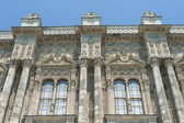 Ottoman architecture of Dolmabahce Palace Istanbul — Stock Photo