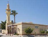 Old egyptian mosque building with minaret — Stock Photo