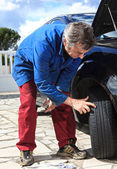 Inspection of tires — Stock Photo