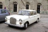 Mercedes-benz modell w110 aus 60er jahren — Stockfoto