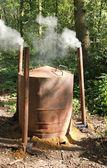Houtskool maken kachel. — Stockfoto