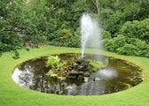 Fountain and Garden Pond. — Stock Photo