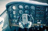 Vista de cabina de aeronaves pequeñas insignias eliminado — Foto de Stock