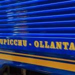 Sign, Blue train in the Machu-Picchu city, Peru — Stock Photo