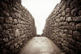 An old stone alley in machu picchu, Peru — Stock Photo